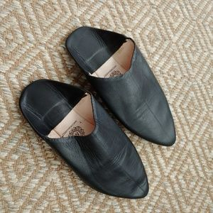 Black Leather Babouche Slippers Size 7.5